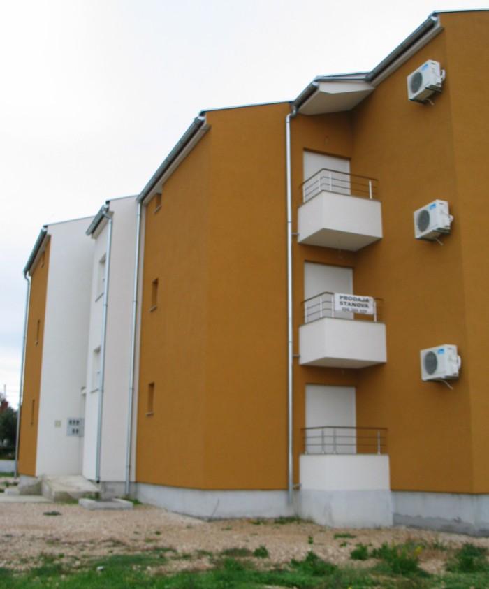 Višestambena zgrada Biograd